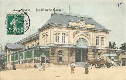 "CPA FRANCE 58 ""Nevers, le Marché Carnot"""