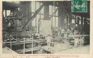 """71 SaÔne Et Loire / CPA FRANCE 71 """"Le Creusot, usines Schneider, coulée d'un lingot de 50 tonnes pour plaque de blindage"""""""