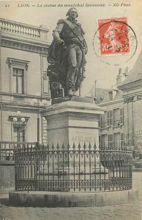 """/ CPA FRANCE 02 """"Laon, la statue du maréchal Serrurier"""""""