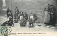 """02 Aisne / CPA FRANCE 02 """"Saint Quentin, pauvres en attendant la soupe, caserne du 87ème de ligne"""""""