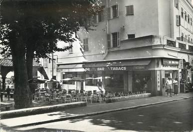 """/ CPSM FRANCE 06 """"Menton, brasserie du Lido, place aux Herbes"""""""