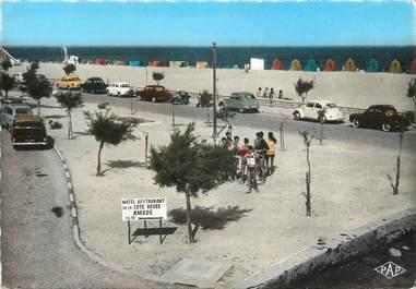 """/ CPSM FRANCE 11 """"Leucate Plage, front de mer et la plage"""""""