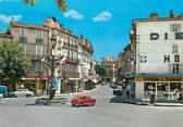 """13 Bouch Du Rhone / CPSM FRANCE 13 """" Aubagne, carrefour et rue de la république """""""