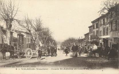 """/ CPA FRANCE 84 """"Valréas, cours Saint Antoine et cours du Berteuil"""""""