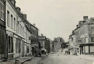 """CPSM FRANCE 27 """"Le Neubourg, rue de l'Hôtel de ville"""""""