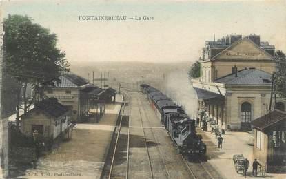 """/ CPA FRANCE 77 """"Fontainebleau, la gare"""" / TRAIN"""