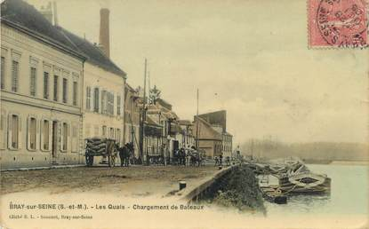 """/ CPA FRANCE 77 """"Bray sur Seine, les quais, chargement de bateaux"""""""