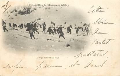 """CPA CHASSEUR ALPIN / Série 11e Bataillon """" A coups de boules de neige"""""""