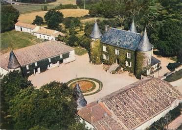 """/ CPSM FRANCE 17 """"Montguyon, vue aérienne, le château de la Magdelaine"""""""