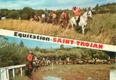 """17 Charente Maritime / CPSM FRANCE 17 """"Ile d'Oléron, Saint Trojan"""" / EQUITATION / CHEVAL"""