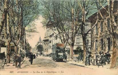 """CPA FRANCE 84 """"Avignon, Rue de la République"""""""