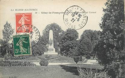 "/  CPA FRANCE 51 ""Vitry le François, jardin et monument Carnot"""