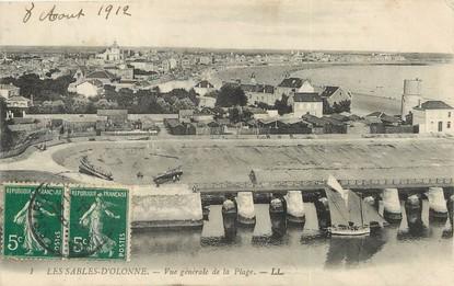 """/ CPA FRANCE 85 """"Les Sables d'Olonne, vue générale de la plage"""""""