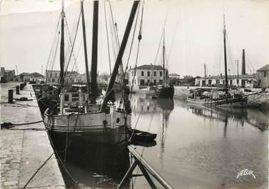 """/ CPSM FRANCE 17 """"Ile de Ré, le port d'Ars"""""""
