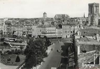 """/ CPSM FRANCE 17 """"La Rochelle, église Saint Sauveur et Cathédrale"""""""