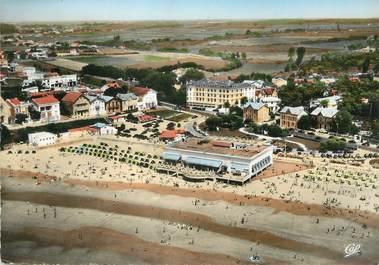 """/ CPSM FRANCE 17 """"Royan, grand hôtel Plage et Angleterre"""""""
