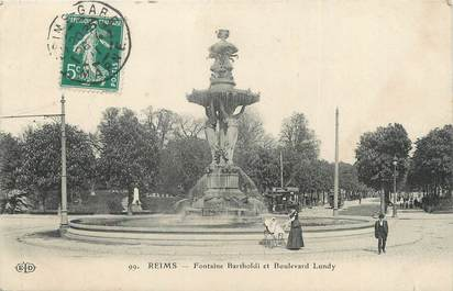 """CPA FRANCE 51 """"Reims, Fontaine Bartholdi et Boulevard Lundy"""""""