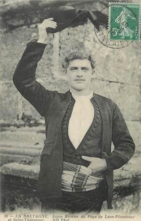 """CPA FRANCE 29 """"Jeune Homme du pays de Léon Plouénour et Saint Thégonnec"""""""