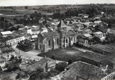 """CPSM FRANCE 17 """"Saint Georges des Coteaux, l'église et vue générale"""""""