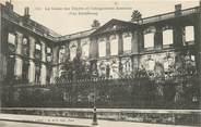 """75 Pari CPA FRANCE 75 """"Paris"""" / Série La Commune 1871 """"La Caisse des dépôts et consignations incendiée"""""""
