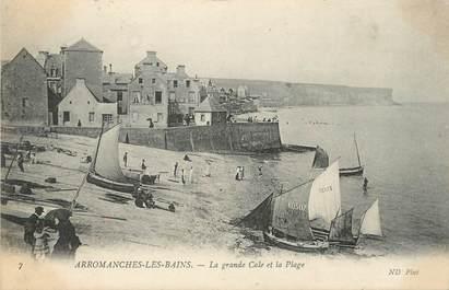 """CPA FRANCE 14 """"Arromanches Les Bains, la grande Cale et la plage"""""""