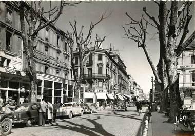 """CPSM FRANCE 84 """"Avignon, rue de la République"""""""
