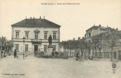 """/ CPA FRANCE 42 """"Feurs, place de l'hôtel de ville """""""