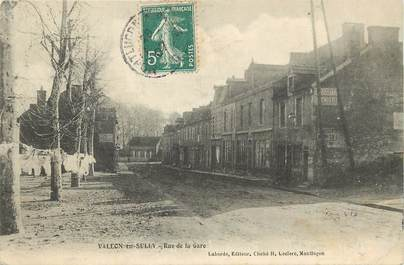 "CPA FRANCE 03 ""Vallon en Sully, rue de la gare"""