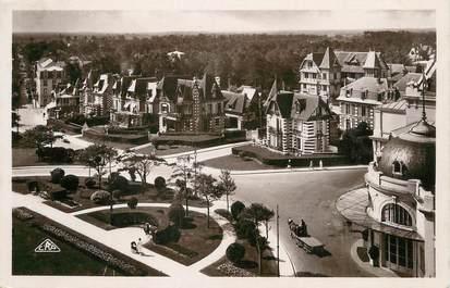 """/ CPSM FRANCE 14 """"Cabourg, les jardins du casino et les villas"""""""