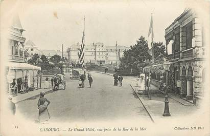 "CPA FRANCE 14 ""Cabourg, le grand hotel"""