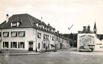 """CPSM FRANCE 03 """"Saint Bonnet Tronçais, Hôtel du Centre"""""""