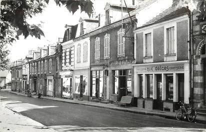 """CPSM FRANCE 03 """"Vallon en Sully, la rue principale"""""""