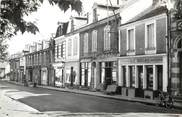 "03 Allier CPSM FRANCE 03 ""Vallon en Sully, la rue principale"""