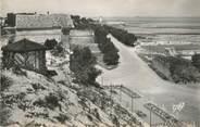 """17 Charente Maritime / CPSM FRANCE 17 """"Ile de Ré, jardins de l'entrée de la Citadelle"""""""