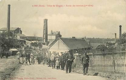 """CPA FRANCE 27 """"Lyre, Usine de Chagny, sortie des ouvriers"""""""
