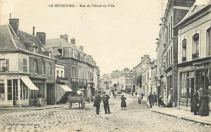 """CPA FRANCE 27 """"Le Neubourg, Rue de l'Hôtel de ville"""" / Nom commerces: LAIGNIEL / BRUNET"""