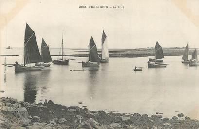 "/ CPA FRANCE 29 ""L'Ile de Sein, le port"""