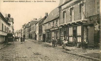 """CPA FRANCE 27 """"Montfort sur Risle, le centre, grande rue"""""""