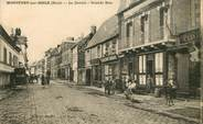 """27 Eure CPA FRANCE 27 """"Montfort sur Risle, le centre, grande rue"""""""