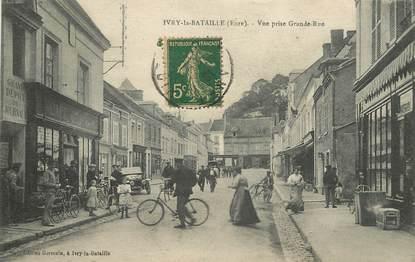 """CPA FRANCE 27 """"Ivry la Bataille, vue prise de la grande rue"""" / VÉLO / CAFÉ"""