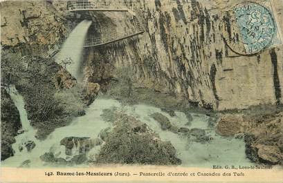 """CPA FRANCE 39 """"Baume les Messieurs, passerelle d'entrée et cascade"""" / CARTE TOILÉE"""