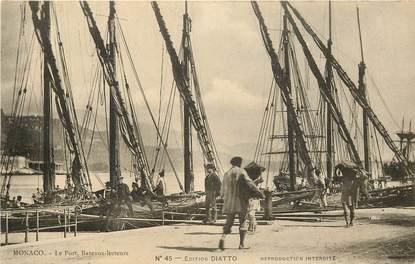 """CPA MONACO """"Le Port, Bateaux lesteurs"""""""