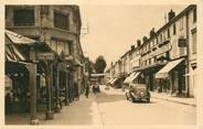 """52 Haute Marne / CPA FRANCE 52 """"Saint Dizier, les halles et la rue Gambetta"""""""