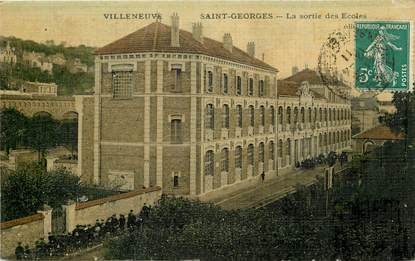 "CPA FRANCE 94 ""Villeneuve Saint Georges"" / CARTE TOILÉE"