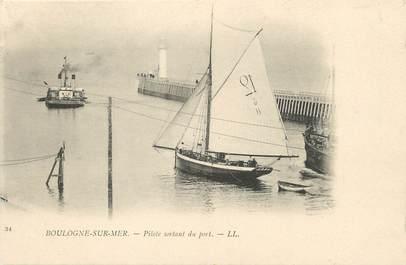 """/ CPA FRANCE 62 """"Boulogne sur Mer, pilote sortant du port"""""""