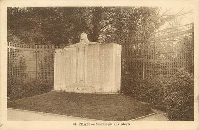 "/ CPA FRANCE 79 ""Niort, monument aux morts"""
