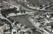 """30 Gard / CPSM FRANCE 30 """"Aigues Mortes, vue sur le bassin et la tour de Constance"""""""