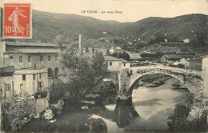 """CPA FRANCE 30 """"Le Vigan, le vieux pont"""""""