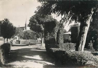 "/ CPSM FRANCE 32 ""Samantan, jardin public"""