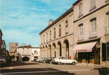 """/ CPSM FRANCE 33 """"Cadillac sur Garonne, place de la République"""""""